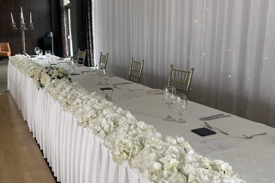 Top table flower runner